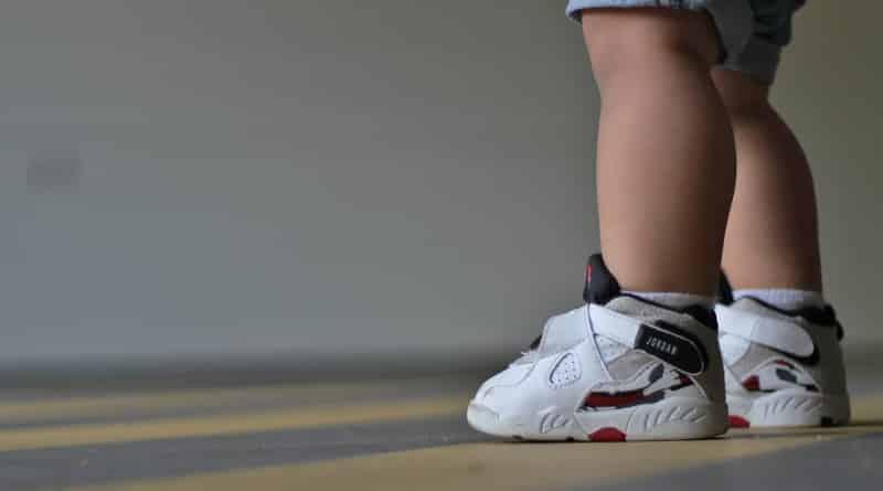 meilleur service ace96 9b203 Bien choisir les chaussures de bébé, nos conseils - Sneaker ...