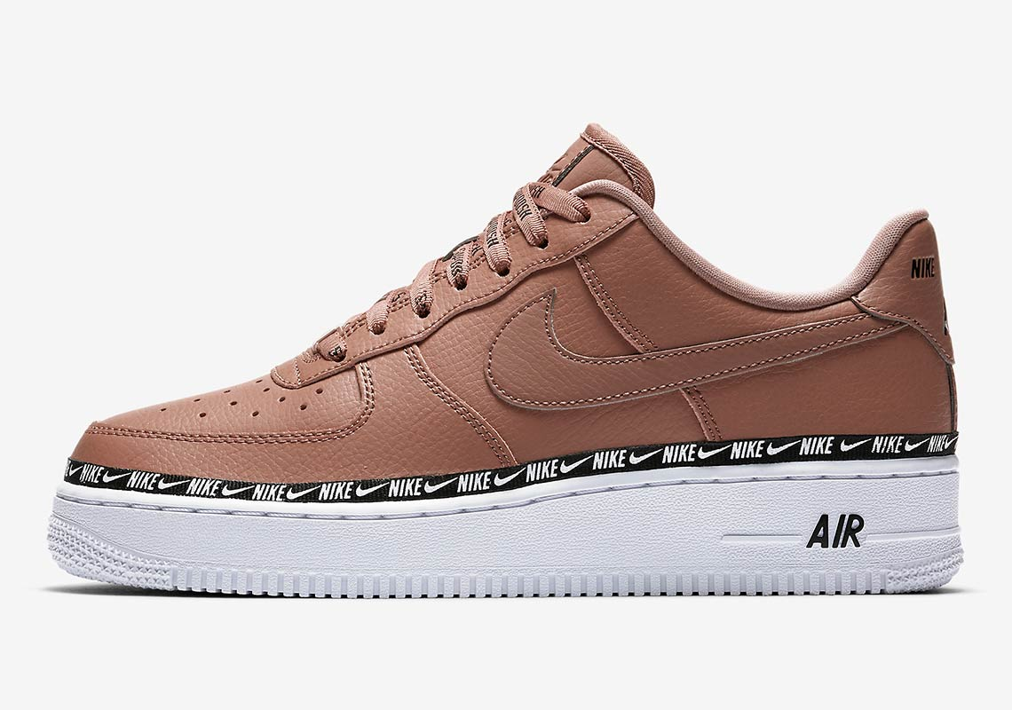 Nike Air Force 1 ''Ribbon'' Pack Sneaker Style