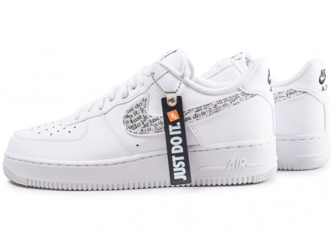 Nike Air Force 1 '07 LV8 Just Do It blanche