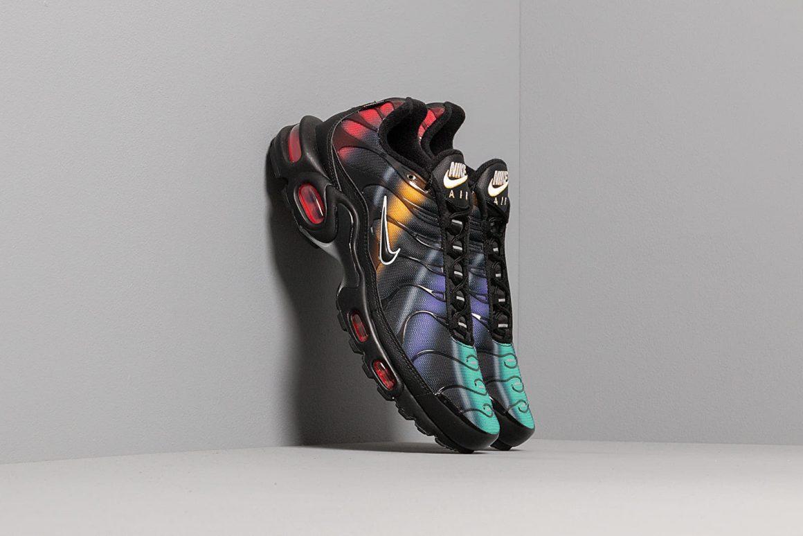 Nike Air Max Plus Tn SE ''Black/Flash Crimson - Kinetic Green''