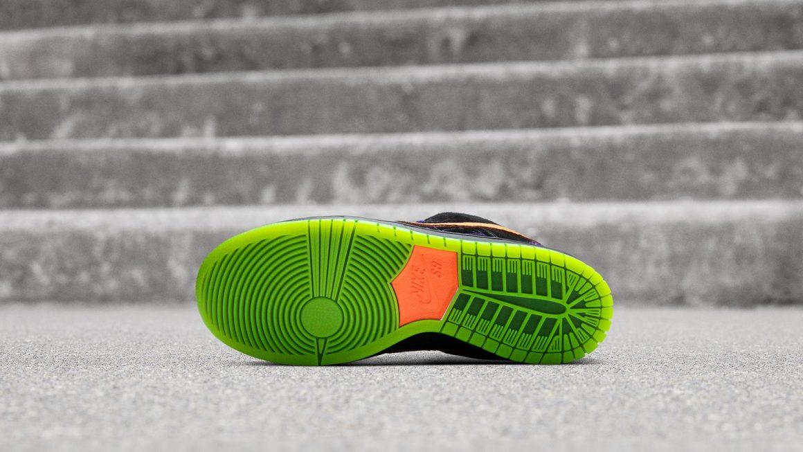 "Nike SB Dunk Low ""Night of Mischief"""