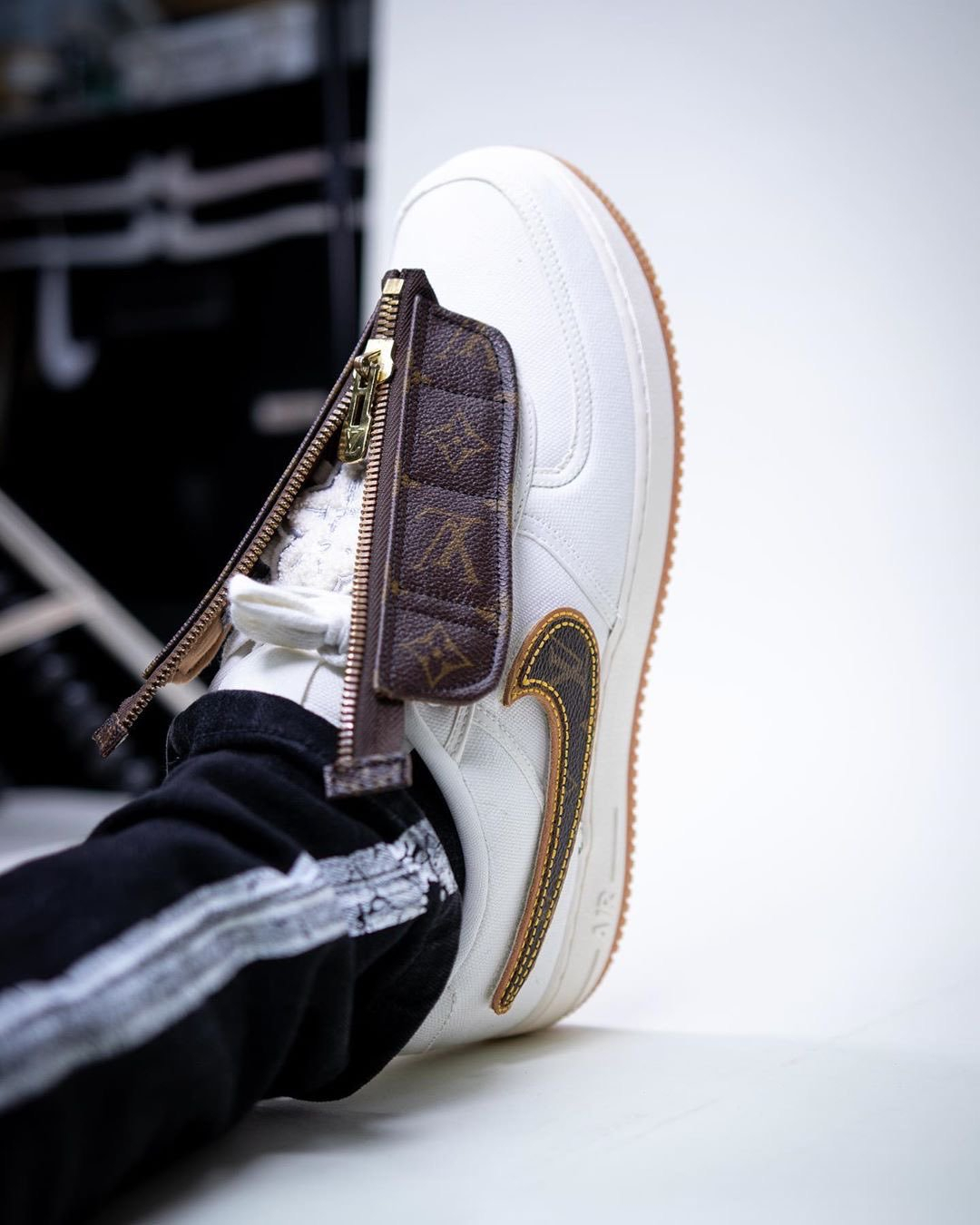 Kicksolio x Louis Vuitton x Nike Air Force 1 ''Travis Scott Inspired''