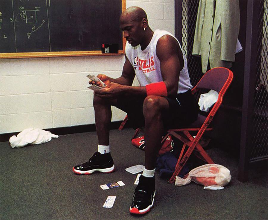Michael Jordan - Air Jordan 11 ''Bred''