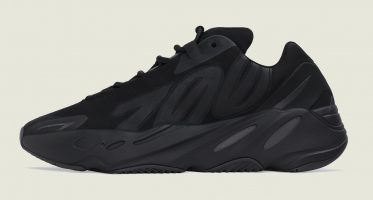 adidasYeezy Boost 700 MNVN ''Triple Black''