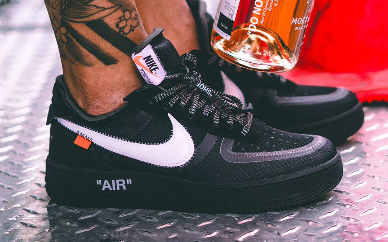 Off White x Nike Air Force 1 ''Black'' AO4606 001 Sneaker Style