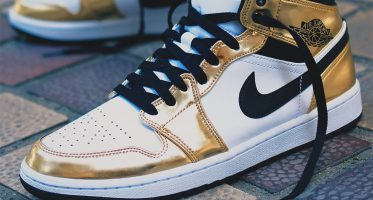 Air Jordan1 Mid SE ''Metallic Gold''