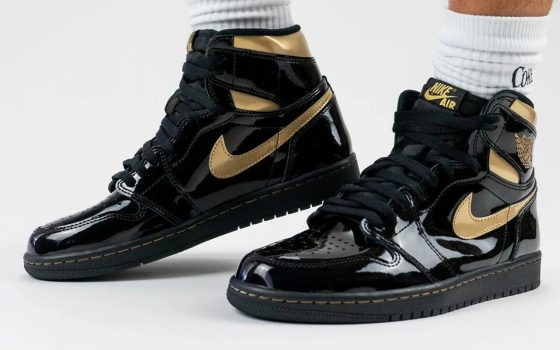 Air Jordan 1 Retro High OG ''Black/Metallic Gold'' - 555088-032