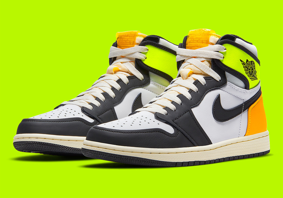 Air Jordan 1 Retro High OG ''Volt Gold'' - 555088-118