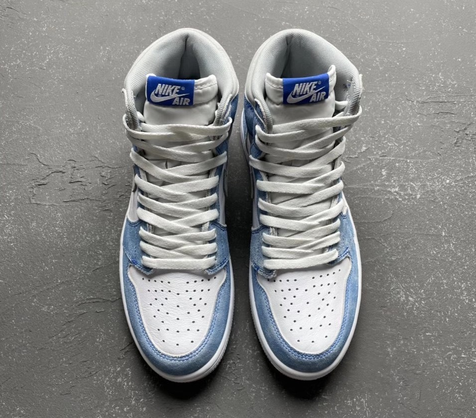 Air Jordan 1 Retro High OG ''Hyper Royal'' - 555088-402