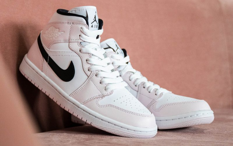 Air Jordan 1 Mid WMNS ''Barely Rose'' - BQ6472-500