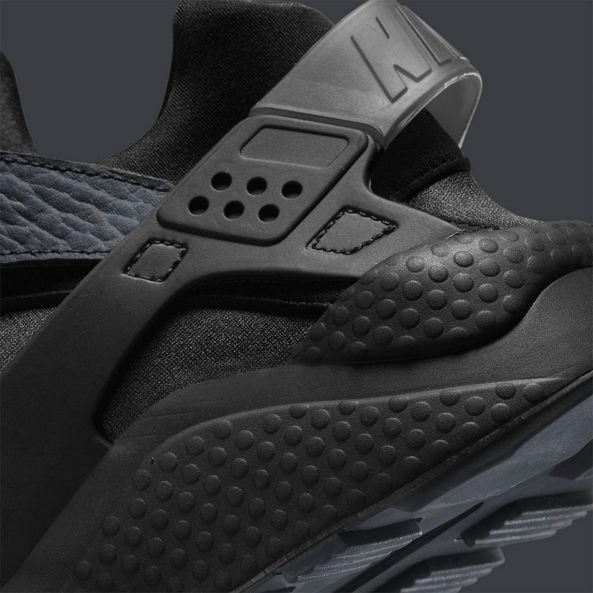 Nike Air Huarache ''Have You Hugged Your Foot Today?'' - DJ6890-001