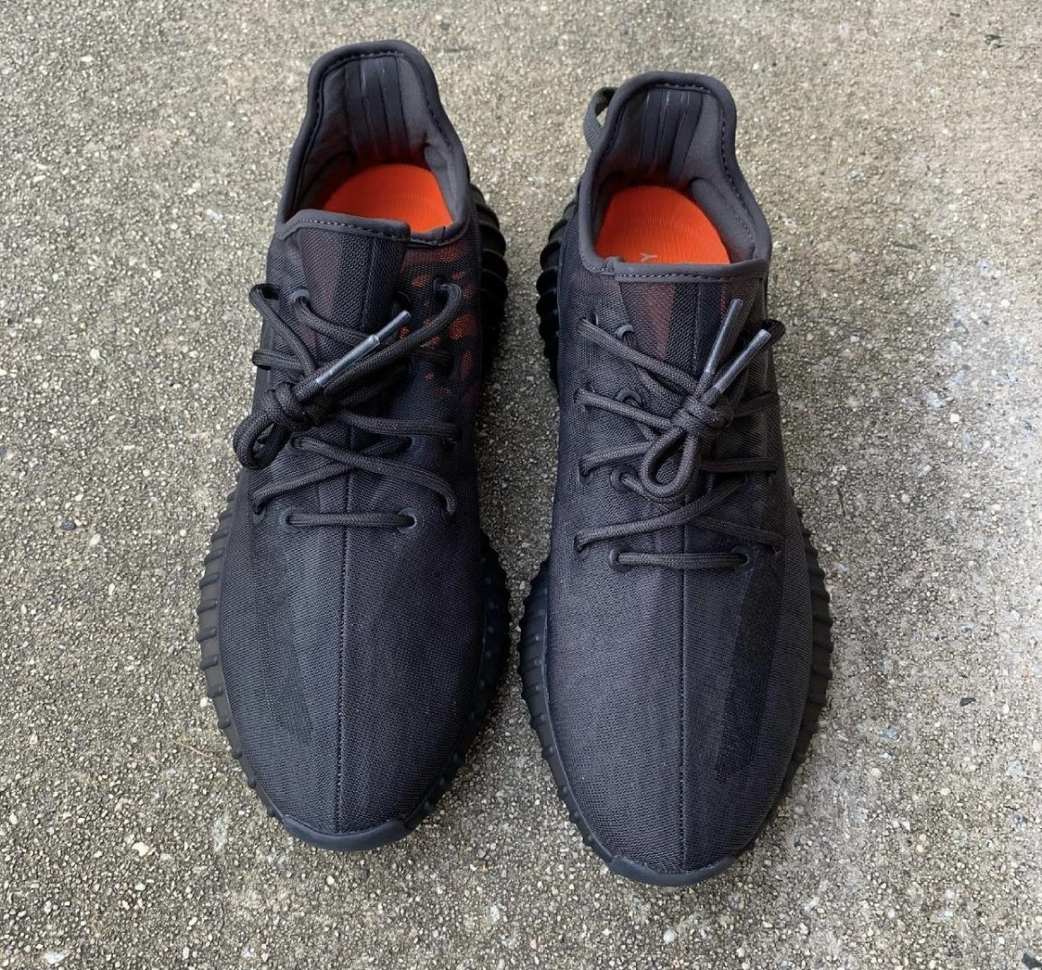 adidas Yeezy Boost 350 V2 ''Mono Cinder'' - GX3791